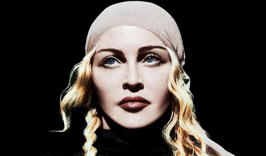 Após revelar teste que apontou anticorpos do COVID-19, Madonna fura quarentena e comparece em festa de amigo