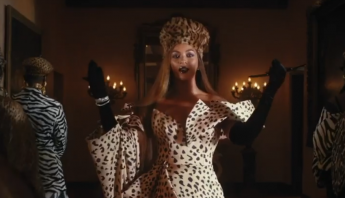 "Beyoncé divulga o novo trailer de ""BLACK IS KING"", ao som de ""Black Parade""; assista"