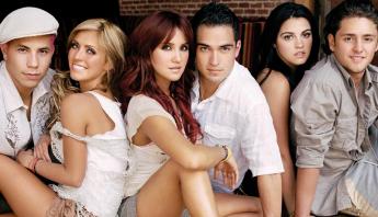 """Anahí e Christian contam que não gostavam de cantar """"Liso, Sensual"""" e relembram momento icônico de Maite"""