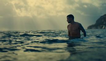 """Liam Payne e Cheat Codes divulgam o clipe de """"Live Forever""""; assista"""