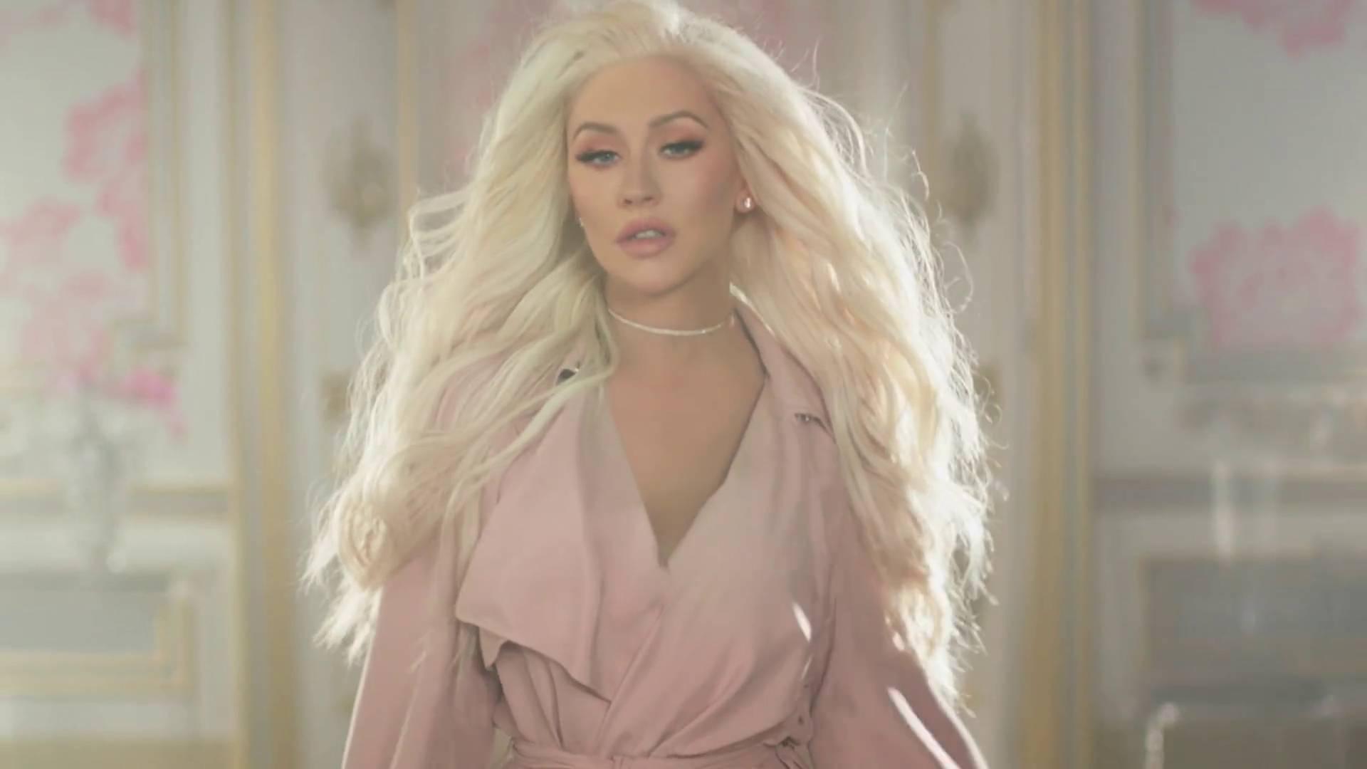 """Christina Aguilera pública homenagem para Lady Gaga, Britney Spears, Madonna e outras cantoras: """"Mulheres que me inspiram"""""""