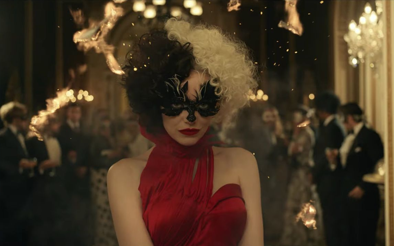 """Primeiro trailer de """"Cruella"""" mostra a transformação da vilã e sua obsessão pelo mundo da moda"""