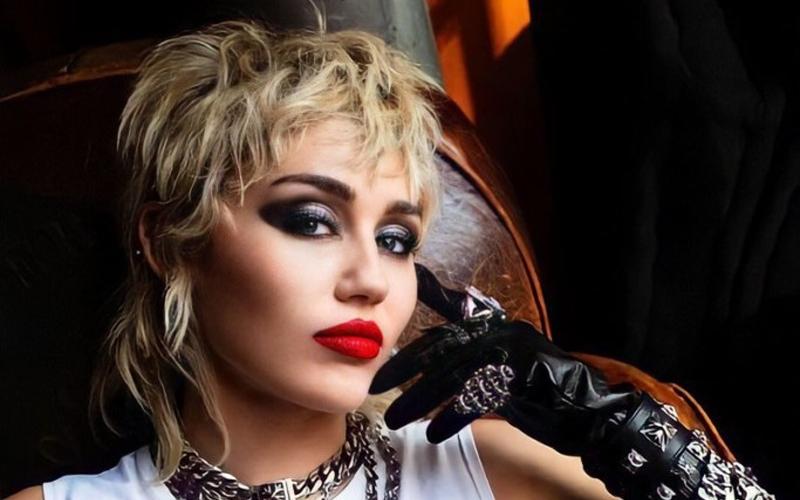 Miley Cyrus sai da RCA e se junta à Columbia Records