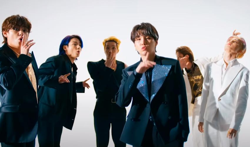 """Servidos? BTS lança seu novo single, """"Butter"""", já com clipe; assista"""
