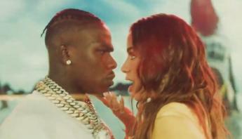 """Anitta divulga videoclipe do remix de """"Girl From Rio"""", com DaBaby; assista"""