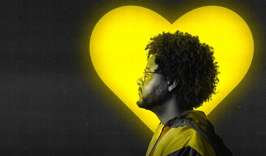 """""""AmarElo – Ao Vivo"""": Emicida disponibiliza documentário na Netflix e disco ao vivo nas plataformas digitais"""
