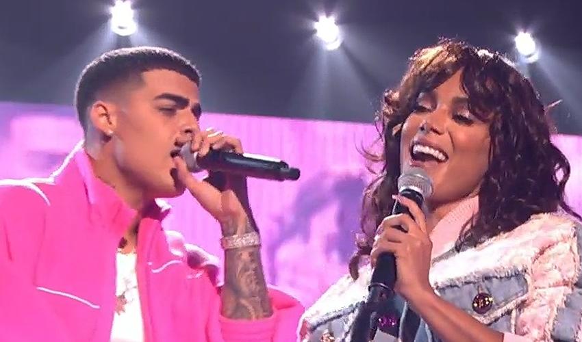 """Anitta e Lunay incendeiam o palco do Premios Juventud com o hit latino """"TODO O NADA""""; assista"""