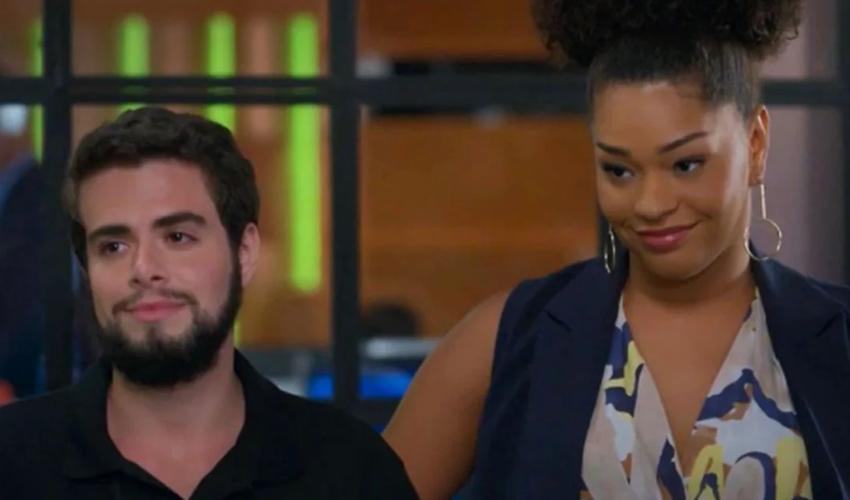 Primeiro beijo entre homem trans e mulher cis é transmitido pela Globo; assista