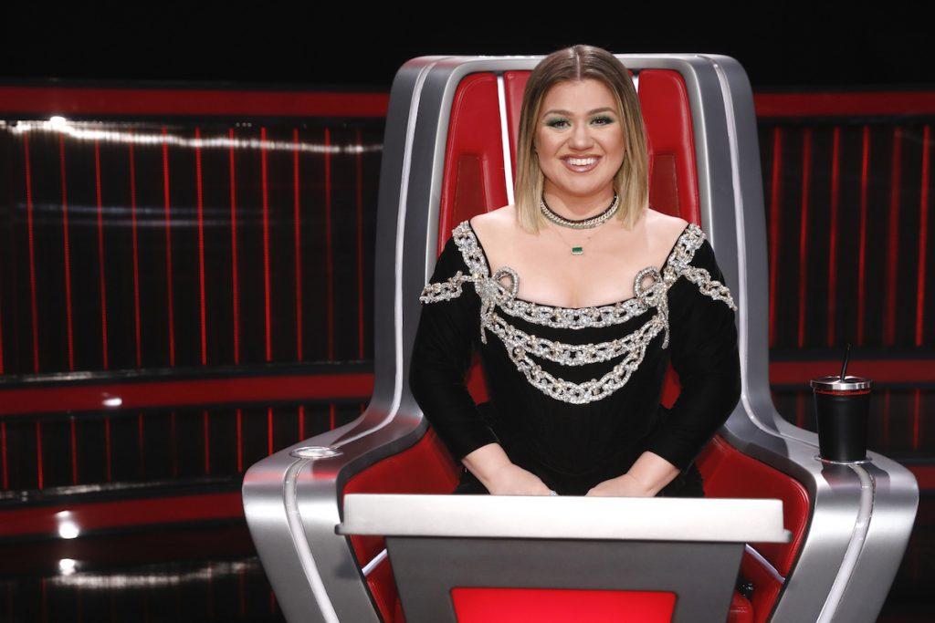 MONEY: decisão judicial obriga Kelly Clarkson a pagar pensão ao ex; confira valor e detalhes