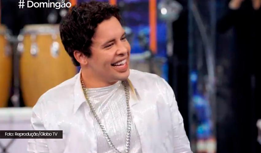 Gloria Groove incorpora Xanddy do Harmonia do Samba em Show dos Famosos; veja apresentação