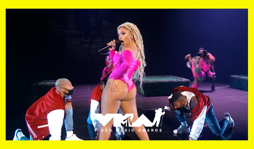 """Chlöe faz apresentação arrasadora de """"Have Mercy"""" no VMA 2021; assista"""